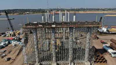 Avanzan superestructuras para los viaductos de acceso al futuro Puente Héroes del Chaco