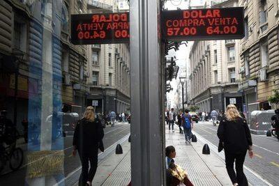 Argentina suma restricciones para acceder a dólares por vías financieras