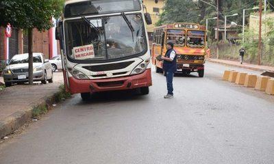 Dueños de buses chatarra chantajean con paro indefinido, pero también son chantajeados