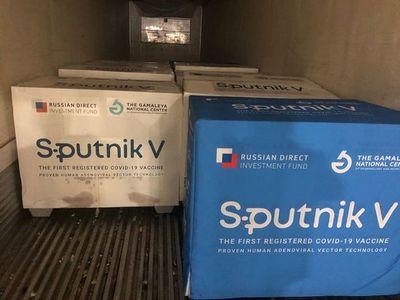 Covid-19: llegan a Paraguay 100.000 dosis más de vacuna Sputnik