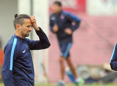 De la banca al campo de juego: Víctor Hugo Mareco sale de su retiro