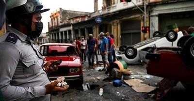 La Nación / Comunicado del Frente Guasu a favor del gobierno de Cuba fue duramente criticado