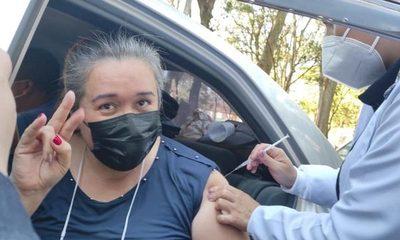 Los trabajadores esenciales recibieron ayer su primera dosis de vacuna contra el Covid – Diario TNPRESS