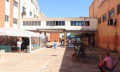 Clínicas: Notoria baja en muertes por Covid-19 pero ocupación de camas sigue al 100%