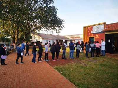 Hubo una concurrencia masiva en vacunatorios del Alto Paraná