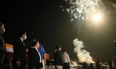 En redes sociales cañean al Gobierno por fuegos artificiales
