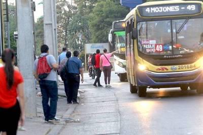 Transportistas reciben subsidio a modo de evitar aumento del pasaje