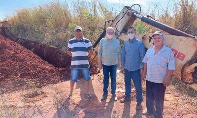 Avanza construcción de distribución de agua potable en Nueva Esperanza