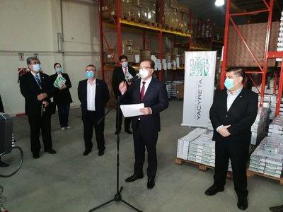 EBY entregó a Salud medicamentos para tratar el Covid-19 por más de 1.500 millones de guaraníes