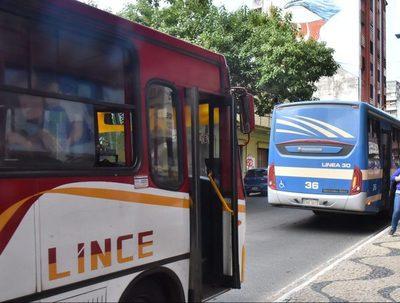 Ejecutivo establece más recursos para transportistas, pese a reguladas · Radio Monumental 1080 AM