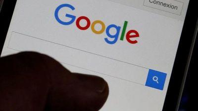 Francia multa a Google para que negocie contenidos de medios