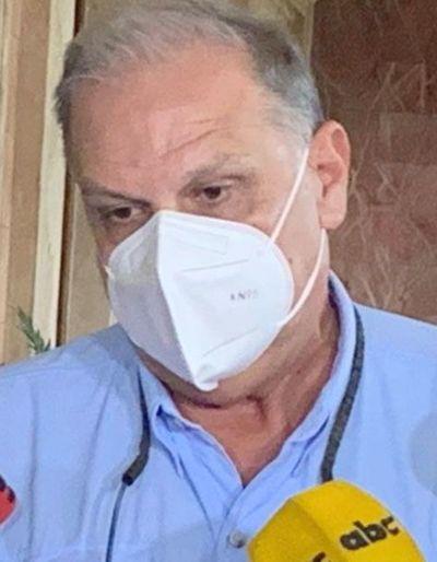 """Vacunación: """"Va a haber demora. No puedo garantizar que no haya"""", afirma ministro de la SEN, Joaquín Roa sobre inconvenientes en Autódromo Rubén Dumot"""