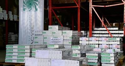 La Nación / EBY entregó a Salud casi 62 mil medicamentos para tratamientos contra el COVID