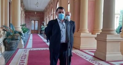 La Nación / Borba pide disculpas por uso de pirotecnia tras alcanzar el millón de vacunados