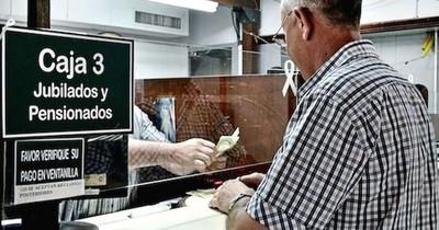 La Nación / Pensiones de jubilados fallecidos serán de 50% si supera dos salarios mínimos