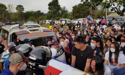 Llegan restos de Leidy Luna a su vivienda en Guairá