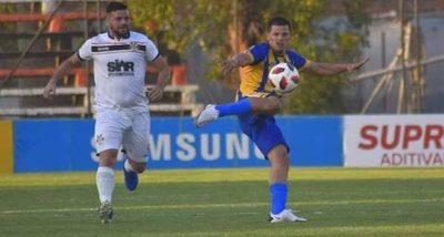 'Pinti' Álvarez dejó Atyrá y tiene nuevo club en el fútbol paraguayo