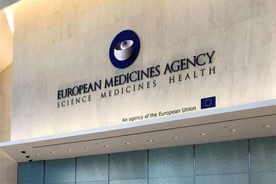 UE incluye inflamación cardíaca como posible efecto secundario de vacunas ARNm