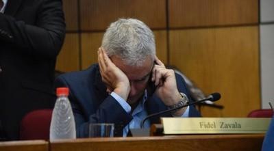 """Al rojo vivo en el Senado: """"Tenemos a un colega que no le pasa un vaso de leche a su hijo"""""""