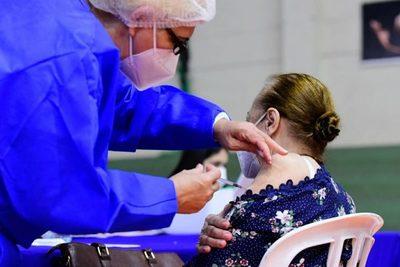 El fin de semana se vacunará exclusivamente con segunda dosis