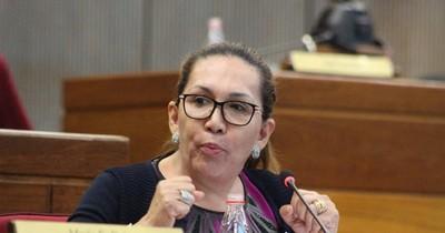 """La Nación / Zulma Gómez dijo que se espera más de los senadores, """"no hacer un blanqueo"""""""