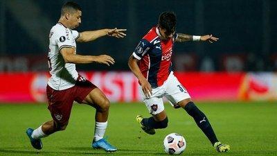 Cerro cae contra Fluminense y se complica