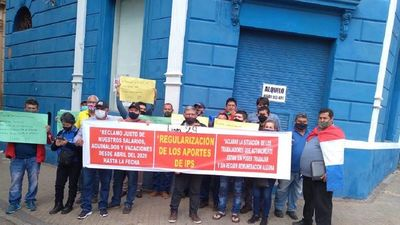 Trabajadores de Línea 29 protestan frente al Ministerio de Trabajo