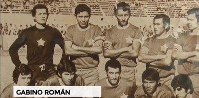 Crónica / GABINO ROMÁN. Primero atajó, luego hizo goles