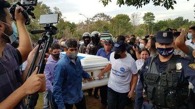 Multitud  asiste a  dolorosa despedidapara Leidy Luna en su pueblo natal
