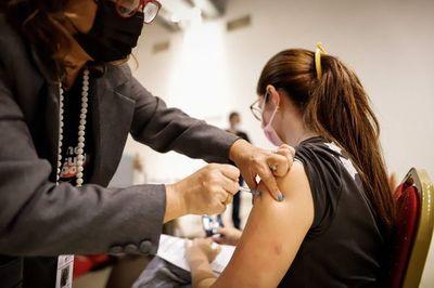 Diputados podría aprobar hoy feriado para vacunación
