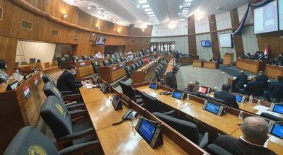 Diputados: Comisión recomendará declarar feriado nacional para jornada de vacunación