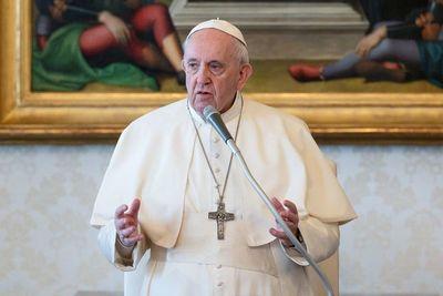 Pontífice abandona el hospital 10 días después de ser operado