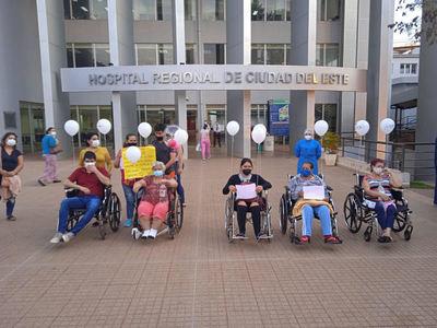 Jornada colmada de alegría por alta de 11 pacientes que vencieron al covid