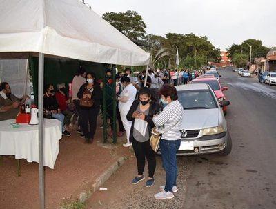 Central: 27.200 personas asistieron este martes para ser inmunizadas · Radio Monumental 1080 AM