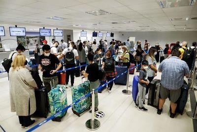 Aeropuerto: Desde Dinac reconocen que es difícil verificar ingreso de variante Delta porque controles no son estrictos