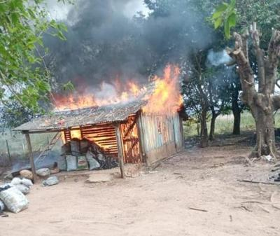 Familia perdió todo tras incendio – Prensa 5