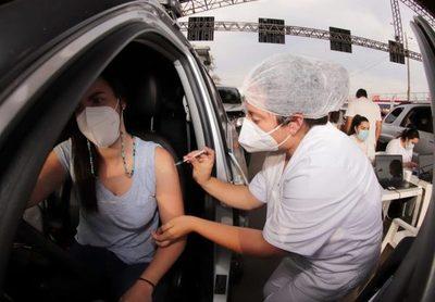 Cifras récord de vacunación en Central: este martes 37.500 personas