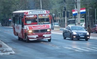 Transportistas paran para exigir suba de pasaje a G. 4.500 en CDE