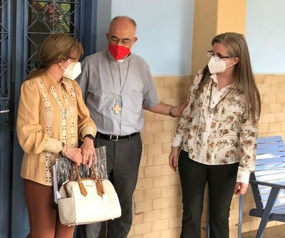 Hijas de Óscar Denis piden apoyo a cardenal López
