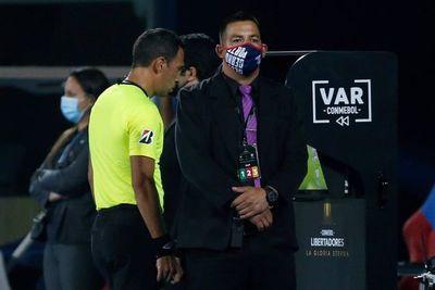 Cambian a árbitros del Olimpia-Internacional