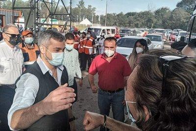 """Mario Abdo: """"Vacuna que llega, vacuna que se aplica"""""""