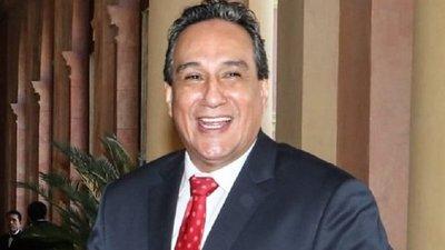 Un voto liberal salva a Hugo Javier de la intervención