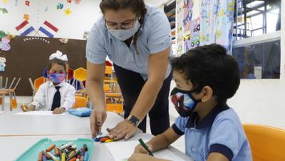 Retorno a clases presenciales será gradual para alumnos del 9° grado y 3° curso de la Media