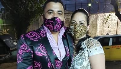 """El sentido canto de la ex esposa del """"Abogado Leopardo"""": """"El hombre que yo quiero se me va"""""""