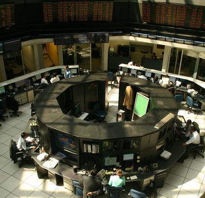 La Bolsa mexicana avanza un 0,33 % con el impulso de América Móvil