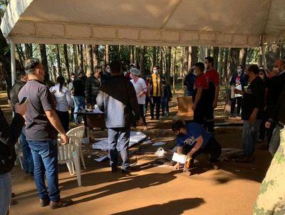 Pese a alta demanda, hasta ahora no se amplió horario ni se liberó terminación de cédula en vacunatorios de Alto Paraná