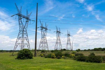 Brasil confirma la privatización de Electrobras y la empresa invertirá 10.000 millones de reales al año
