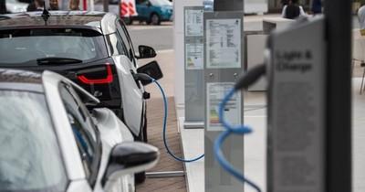 La Nación / ¿Qué impacto ocasionará la prohibición de coches diésel y gasolina?