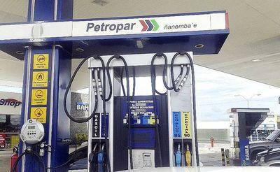 Los nuevos precios de combustibles de Petropar que regirán desde la medianoche