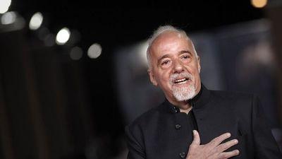 Paulo Coelho apoya festival cultural vetado por el Gobierno de Bolsonaro